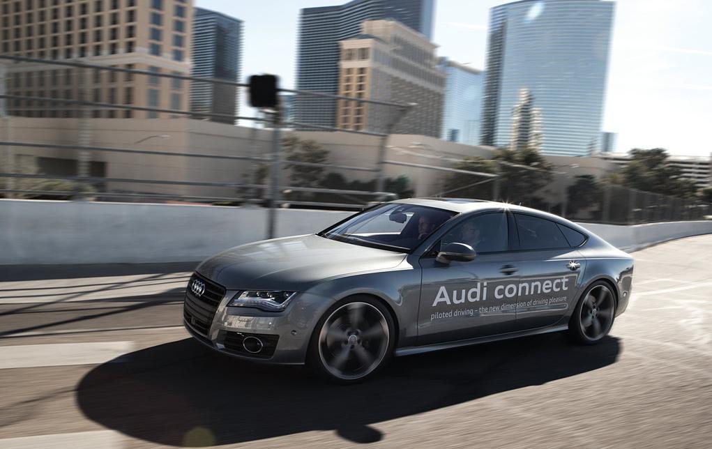 2014-CES-Audi-connect-driver-assistance-piloted-driving-356