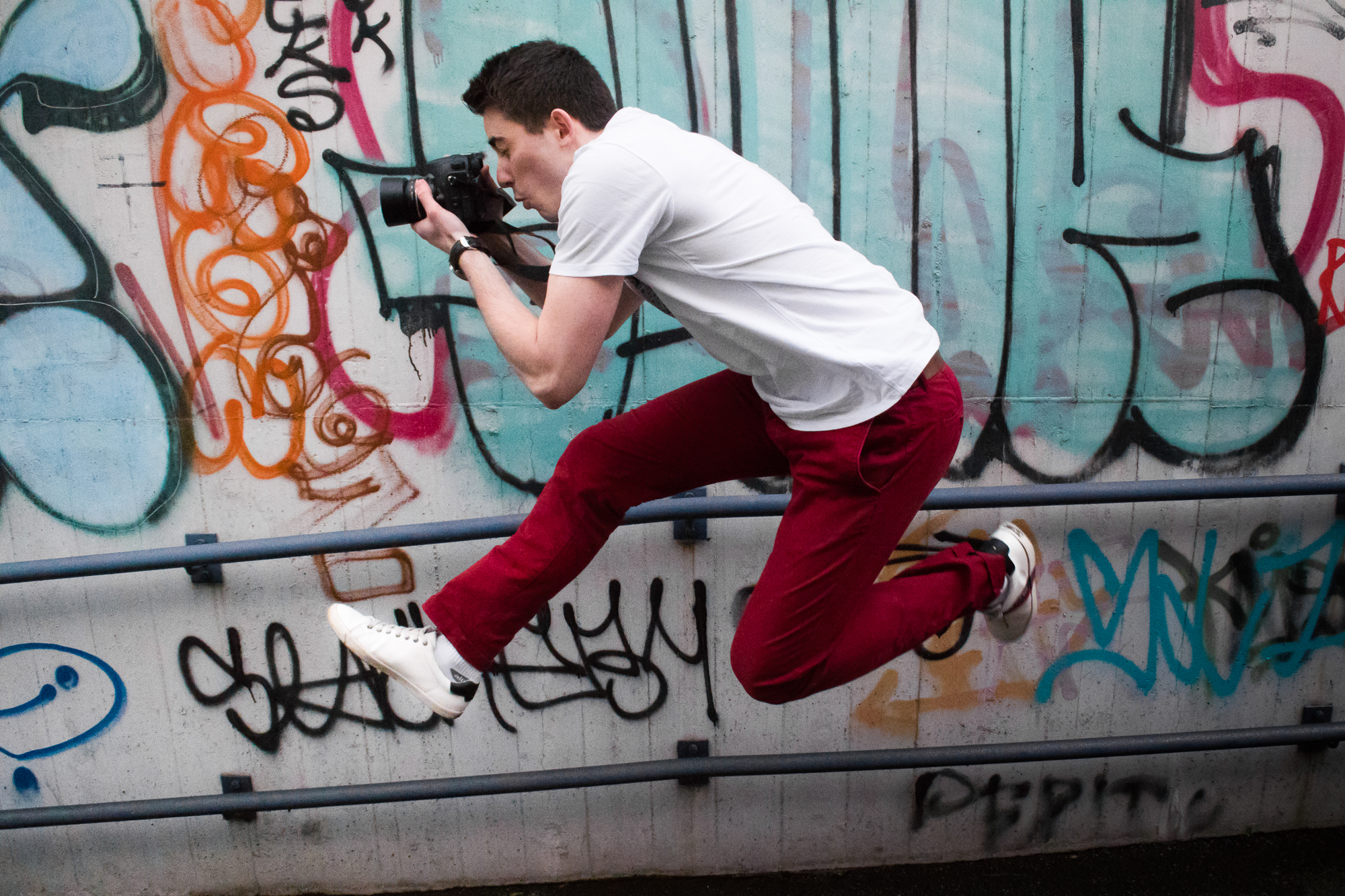 petr-vocelka-jumping-with-dslr