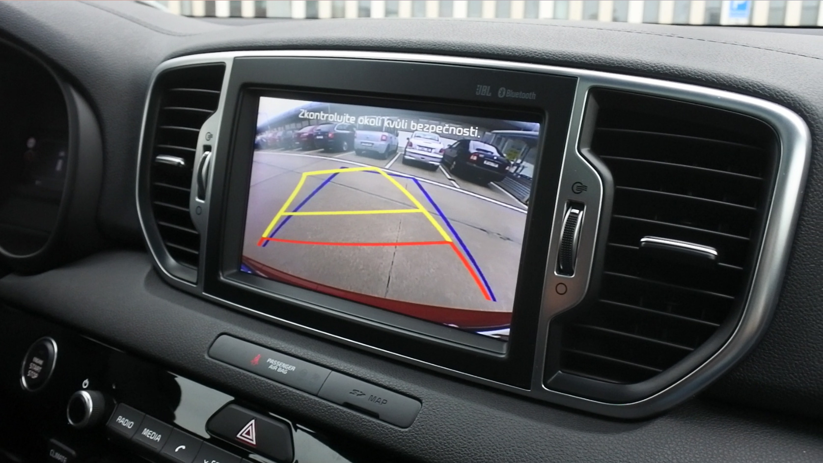 kia-sportage-2016-rear-camera